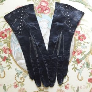 "VTG ""UNACO"", TABLE CUT BLACK LEATHER GLOVES!"